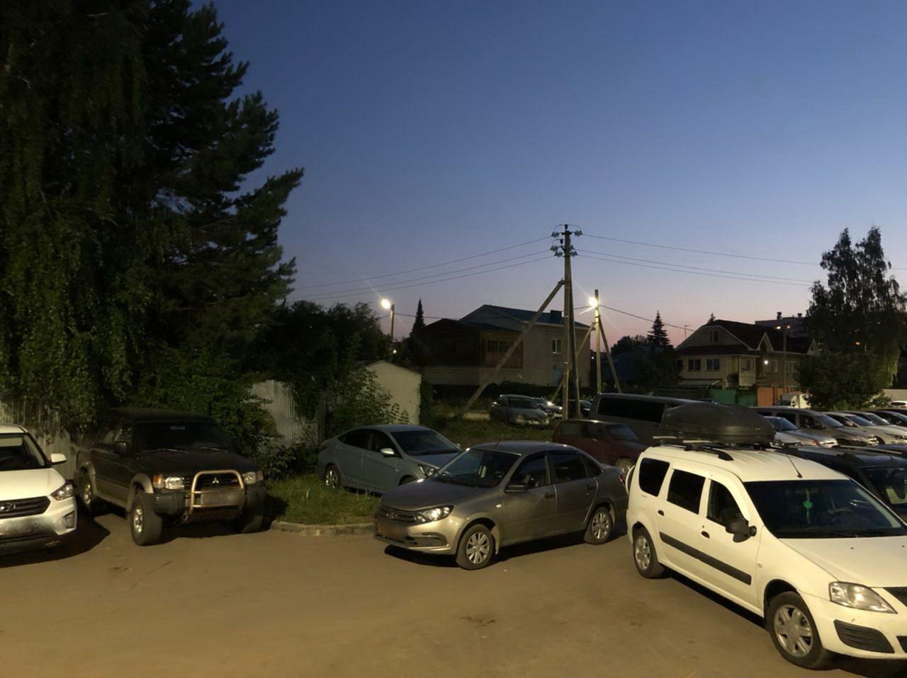 Во дворе дома в Набережных Челнах водитель сбил 13-летнего подростка